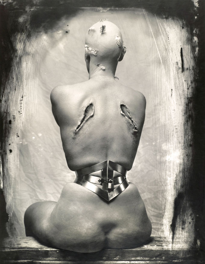 Joel-Peter Witkin, Woman Once A Bird, 1990 © Joel-Peter Witkin, Courtesy Galerie Hiltawsky