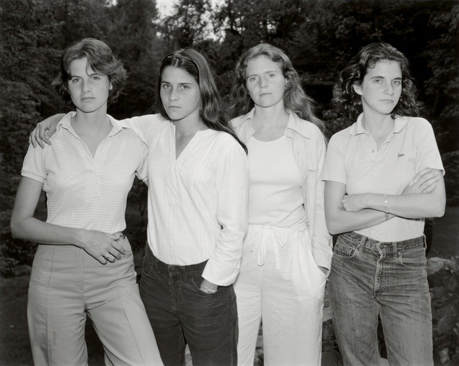 The Brown Sisters, 1975 © Nicholas Nixon . Courtesy Fraenkel Gallery, San Francisco, Colecciones Fundación MAPFRE